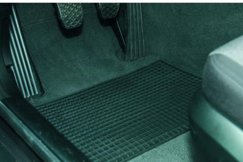 unitec tapis de sol pour voiture en caoutchouc achat vente unitec kfz 11580022. Black Bedroom Furniture Sets. Home Design Ideas